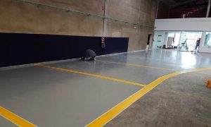 pintando plazas de garaje en Vitoria